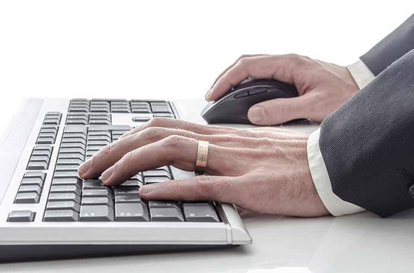 Workplace injury prevention coaching that prevents & eases carpal tunnel.